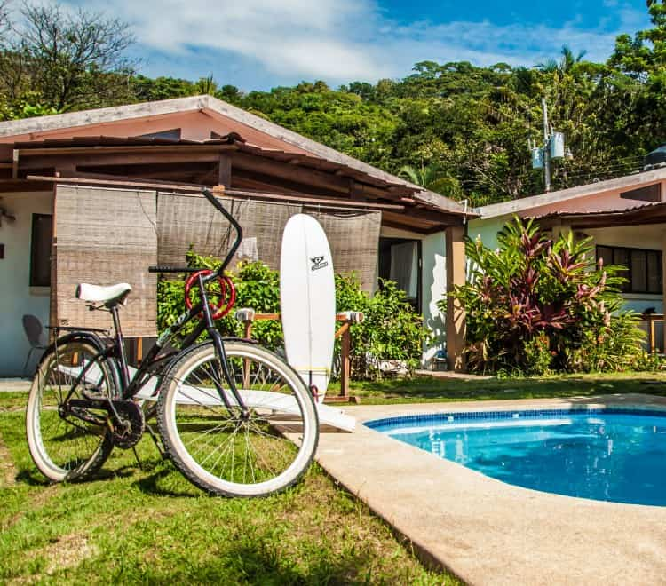 Gorgeous and quiet garden studio complex only 150 meters from the beautiful Santa Teresa Beach, yet within a walk from the area's many restaurants and shops. The studio is elegantly furnished, w/ AC & WIFI, tucked in a beautiful garden with a Pool. Santa Teresa Costa Rica